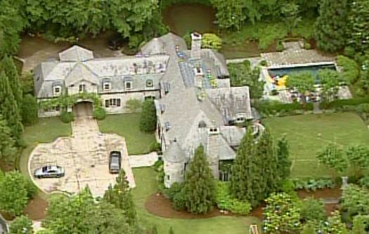 Upscale NW Atlanta house hit by home invaders