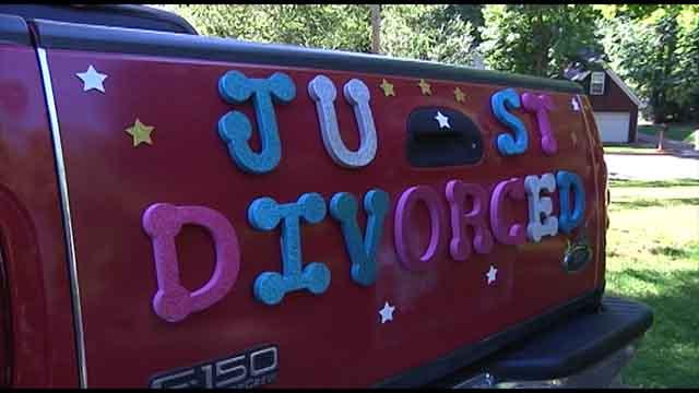 New divorcee celebrates in a unique way