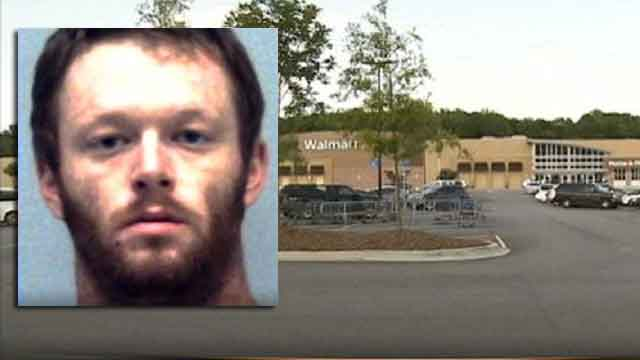 Customers chase alleged purse snatcher