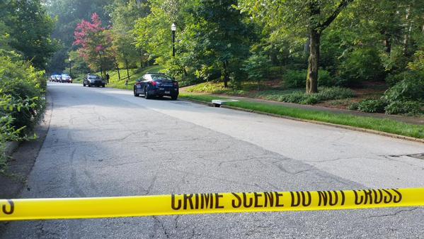 Police: man shoots, kills squatter