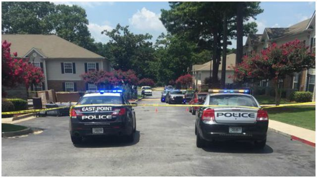 East Point shooting leaves 1 teen dead,  2 injured