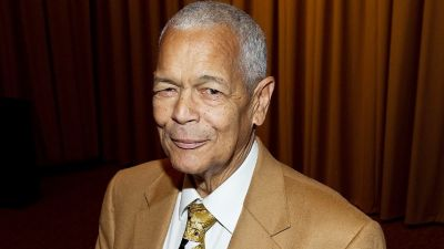 Julian Bond, Civil Rights Icon, Dies at 75