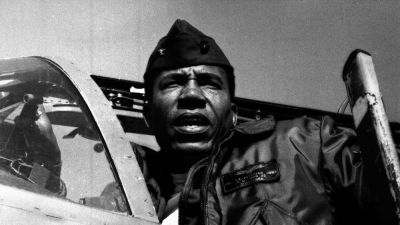 Frank E. Petersen Jr., First Black Marine Aviator, Dies