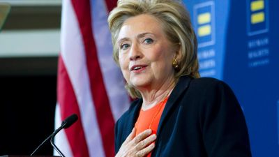 Clinton Pushing New Gun Controls After Oregon Shooting
