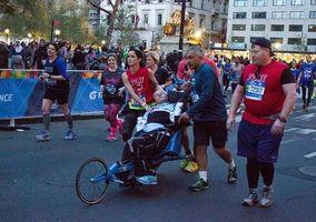 NYC marathoners sacrifice time to help Atlantans finish race