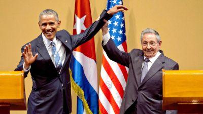 President Obama, Raul Castro Awkwardly Shake Hands