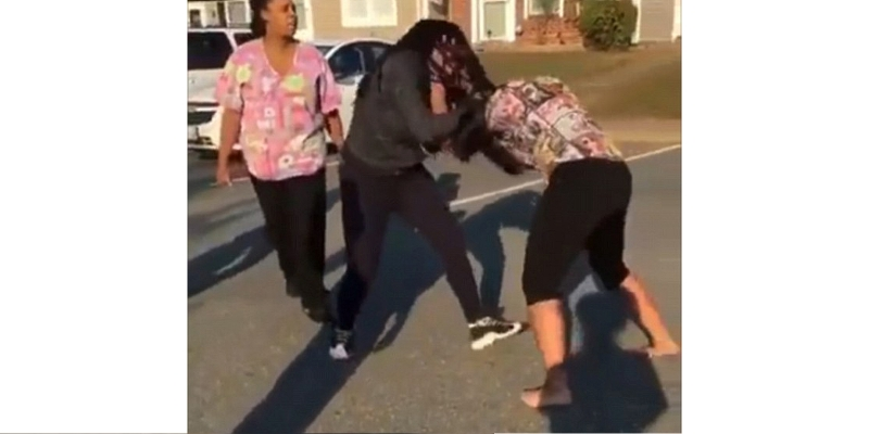 Video of Mom Encouraging Daughter To Fight Surfaces