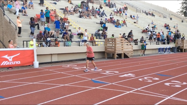 92-year-old woman breaks 400 meters track record