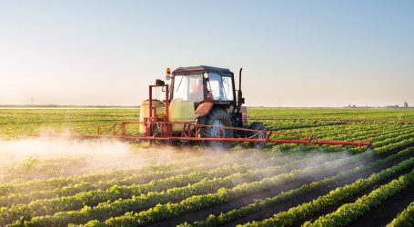 This Is How Badly Monsanto Wants Farmers to Spray Its Problematic Herbicide