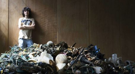 There Is an Area of Plastic in the Ocean That's Three Times the Size of France. This 23-Year-Old Thinks He Can Clean It Up.