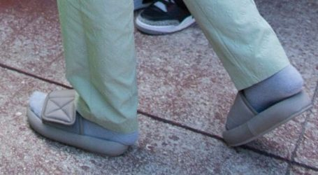 Kanye West Wore Slippers This Weekend