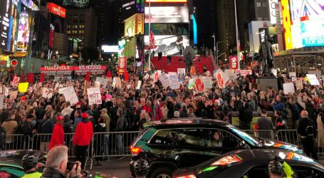 "#ProtectMueller Protesters Shut Down Streets in Midtown Manhattan: ""We Have to Resist"""
