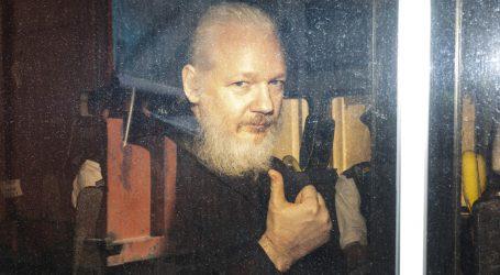 Ecuador Finally Gets Tired of Julian Assange