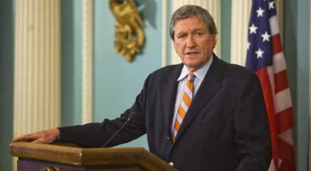 You Never Knew You Needed a Book on Richard Holbrooke, but Goddamn Is It Good