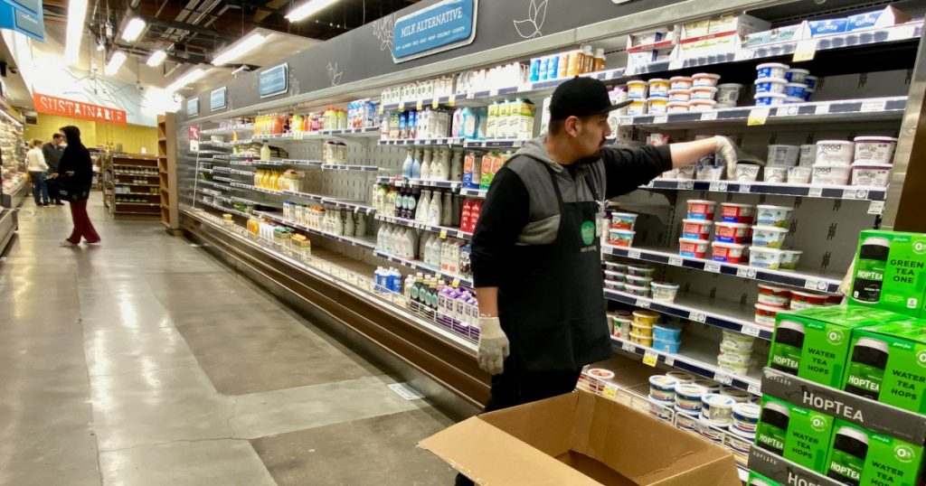 grocery-clerks-are-now-emergency-personnel-in-several-states-california's-workers-want-in.