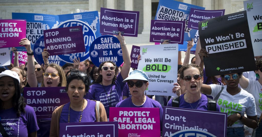 """""""people-were-sobbing,-people-were-begging-for-us-to-see-them-anyway"""":-texas'-abortion-ban-is-cruel"""