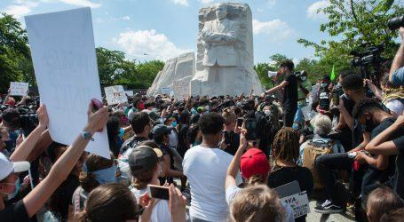 massive-crowds-protest-police-violence