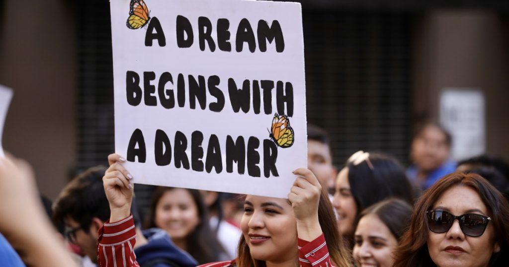 supreme-court-rules-that-dreamers-can-stay