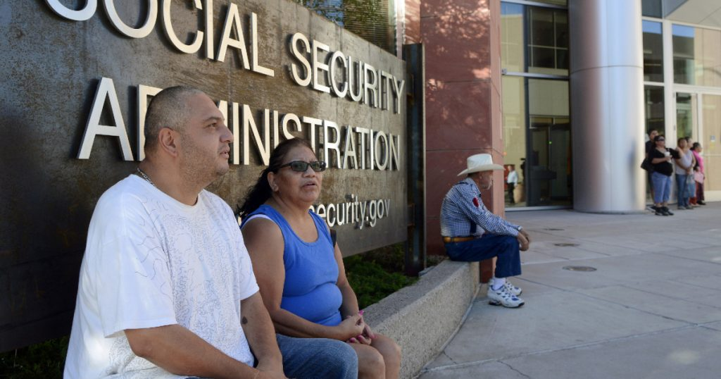 seriously,-we-should-get-rid-of-the-social-security-payroll-tax